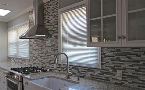 Glass Backsplash Tiles : Kitchen & Dining. Enhance Kitchen Decor With Mosaic