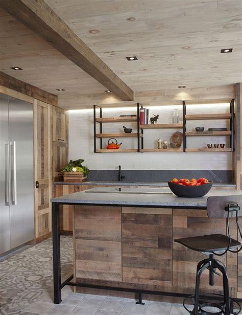 cuisine en ch麩e ilot de cuisine en bois de grange mzaol com
