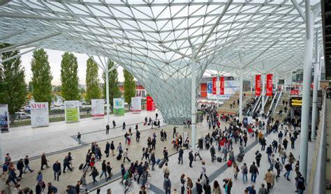 Ingressi Expo - sono stati 200 mila i visitatori primo giorno di expo