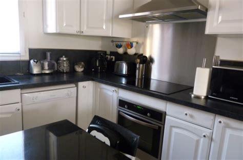 cuisine en noir et blanc cuisine blanche noir inox 8 photos smarti26