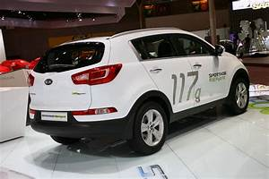 Kia Paris : kia goes green in paris with sportage diesel hybrid concept ~ Gottalentnigeria.com Avis de Voitures