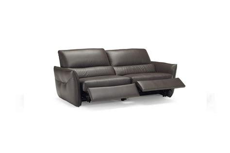 divani compatti excellent compatto e slanciato intenso un divano comodo ed