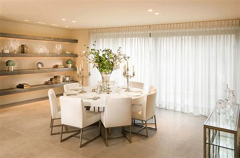 25 Dining Rooms With Round Large White Kitchen Island Tuscan Ideas Open Cabinets Kitchens With Islands Glass Tile For Backsplash Small Spaces Ikea Breakfast Bar Tables