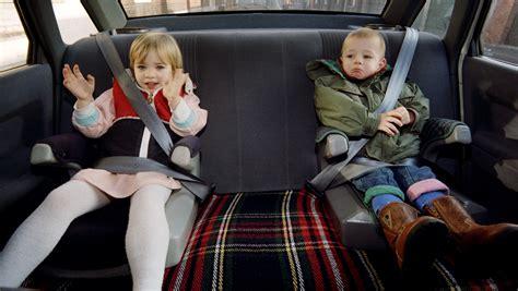 prevention routiere siege auto sécurité routière deux tiers des enfants mal attachés