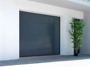 la porte de garage sectionnelle a de nombreux avantages With porte de garage enroulable et porte interieur gris anthracite