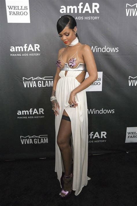rihanna miley  naked   charity event