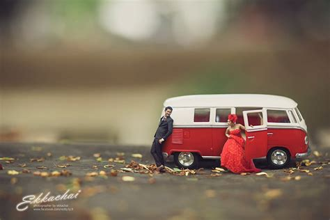 wedding photographer turns couples  miniature people
