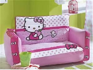 decorer une chambre d39enfant avec des accessoires et du With tapis de sol avec canape lit pour couchage permanent