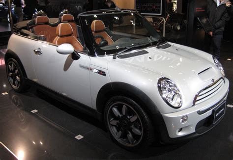 Pros And Cons Of Owning A Bmw Mini Cooper