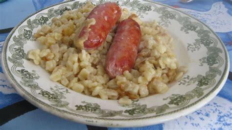 cuisiner les crozets de savoie crozets et diots de savoie au vin blanc et au reblochon