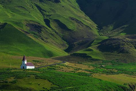 37 Reasons Why You Need To Visit Iceland Right Now Bored