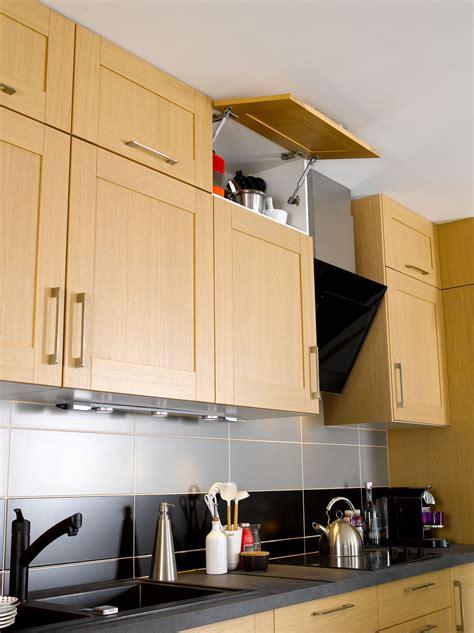 placard haut cuisine idee decoration pour cuisine