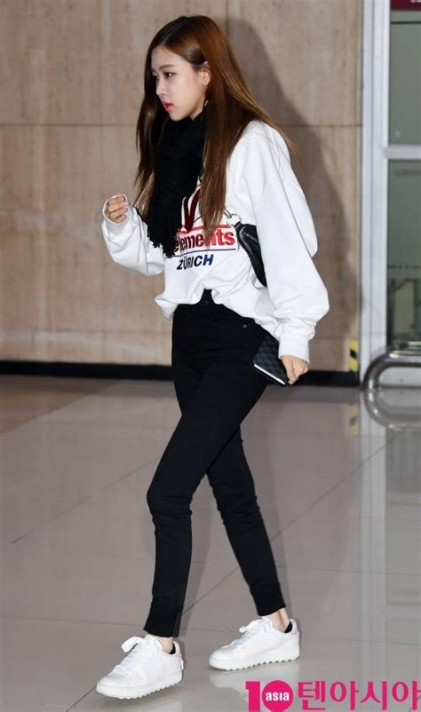 female idol airport fashion outfits  march