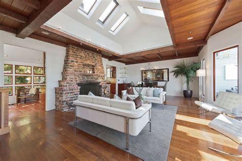 beautiful living rooms  hardwood floors designing