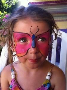 Maquillage Enfant Facile : maquillage enfants maquillage papillons simplement moi ~ Melissatoandfro.com Idées de Décoration