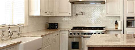 Beige Subway Tile Backsplash : Light Beige Countertop Backsplash Tile Idea