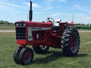 1972 International 666 Tractors