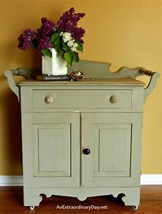 Antique Washstand with a FolkArt Home Decor Chalk Paint
