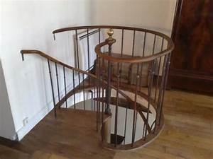Escalier En Colimaçon : best 25 stairs to attic ideas on pinterest loft stairs ~ Mglfilm.com Idées de Décoration