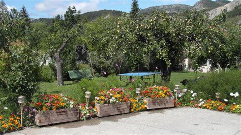 chambre d hote le tilleul jardin du gite au vieux tilleul a veynes chambres d 39 hotes