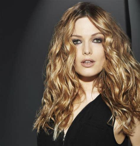 coiffure grosse boucle cheveux long