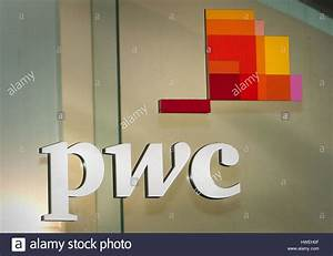 Management Consultant Stock Photos & Management Consultant ...
