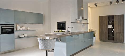 bar de cuisine castorama cuisine couleur pastel bleu clair ou vert clair