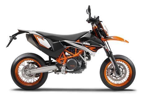 Présentation de la moto KTM 690 SMC
