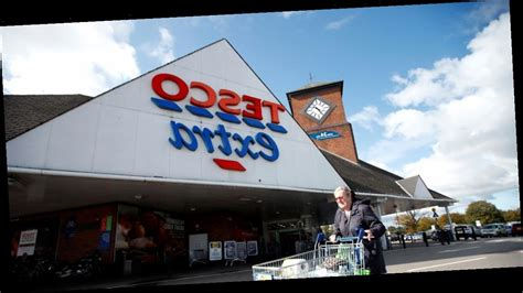 NYE and New Years Day opening times for Tesco, Asda ...