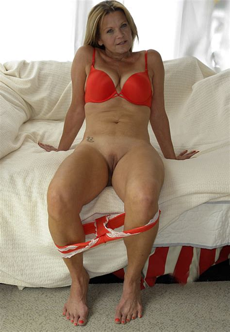 M1662804 B5f7  In Gallery Hot American Milf Gilf Great