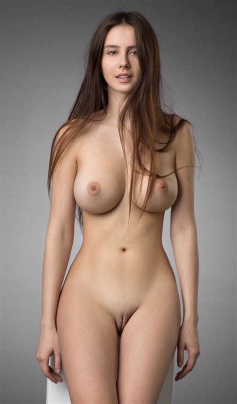 Perfect Curves Nudeshots