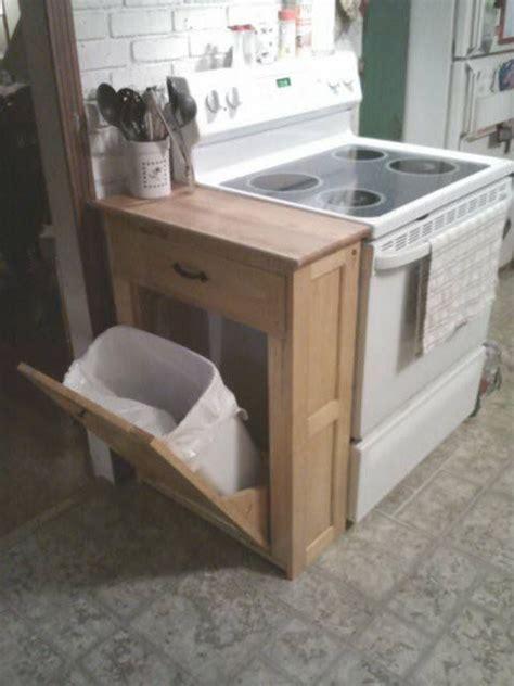 meuble cache poubelle cuisine l 39 idée déco du dimanche un meuble pour dissimuler la poubelle floriane lemarié