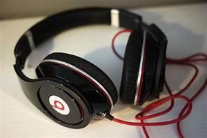 Beats Pro vs Beats Studio - Difference and Comparison   Diffen