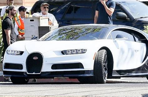 Kylie buying herself a bugatti after breaking up with travis is the. Fans Are Fuming At Kylie Jenner's Latest RM12mil Bugatti ...