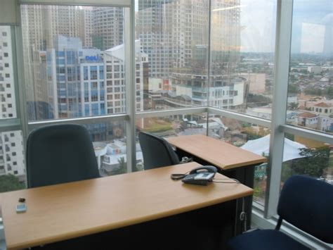 corner office serviced office for rent 11th floor cyberone bldg Executive