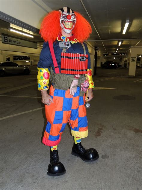 killer clown costumes
