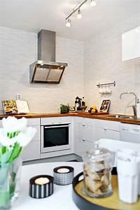 La cuisine blanche et bois en 102 photos inspirantes for Deco cuisine avec chaise blanche et bois