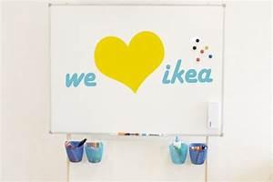 Whiteboard Mit Ständer : ikea b ro hack mobiler whiteboard st nder f r unter 24 euro ikea kura ikea kura hack ~ Watch28wear.com Haus und Dekorationen