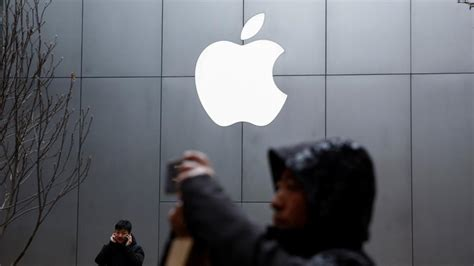 apple demanded 1 billion for chance to win iphone qualcomm ceo tech hindustan times