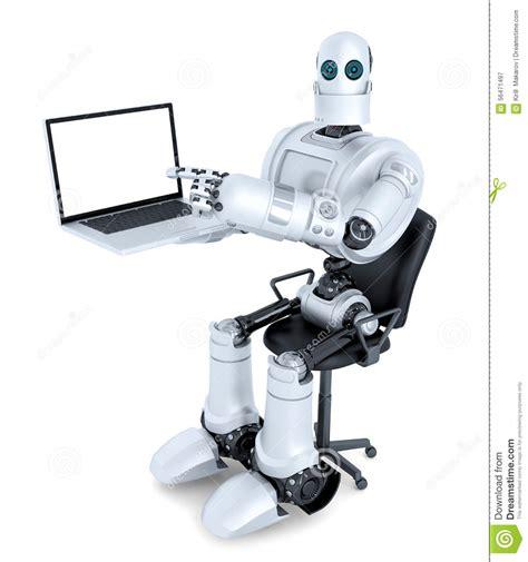 achat pc bureau avec l 39 ordinateur portable se reposant dans la