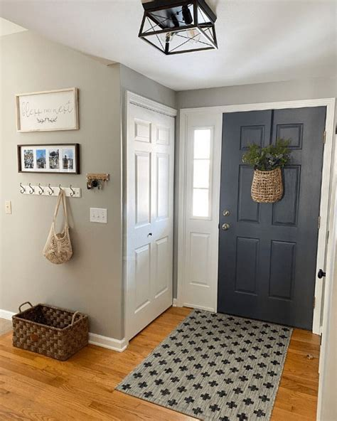 They are popular and tend to go well with most floors and most furniture. Beige Interior Paint Colors Sherwin Williams in 2020 | Room paint colors sherwin williams ...
