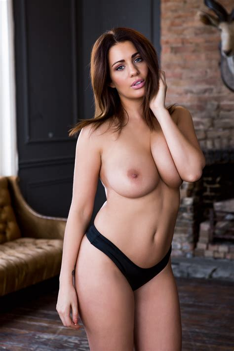 Holly Peers In Sexy Lingerie And Nude Scandal Planet