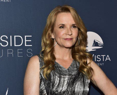 burgess  played  lea thompson netflixs sierra