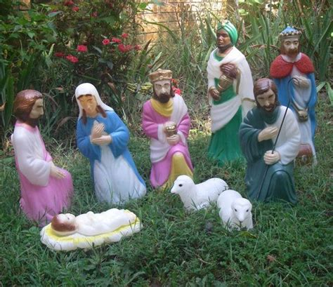 reserved for runninrd vintage nativity set by empire