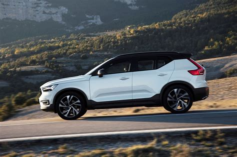 Volvo Photo by Volvo Xc40 Suv 2017 Photos Parkers
