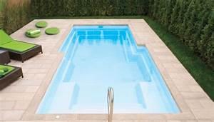 amenagement paysager autour d une piscine creuse charmant With superb amenagement tour de piscine 11 des plantes autour de votre piscine