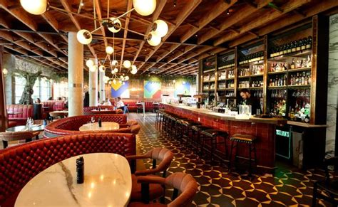 The review: Angelina's - the kitchen is aiming for general ...