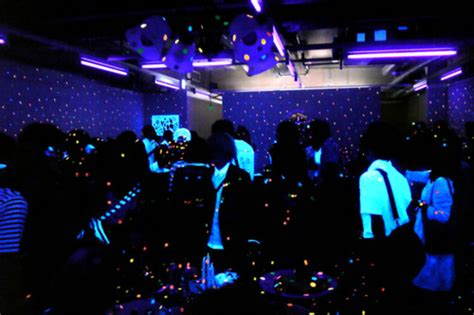 black light glow party the college culprit how to throw a legendary black light