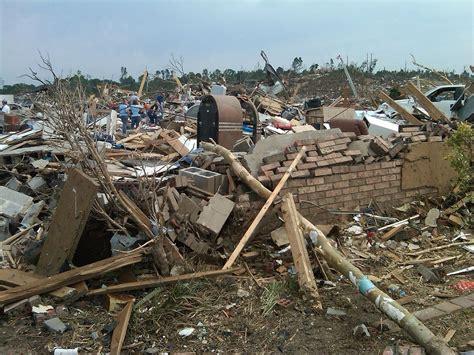 foto de 2011 Tuscaloosa Birmingham tornado Wikipedia