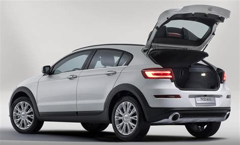 Qoros 3 City Suv 16t Makes Debut In Guangzhou Image 290106